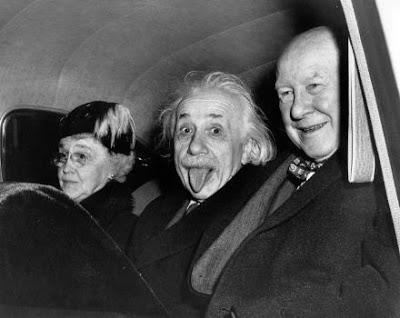 Quelle est l'histoire derrière cette photo d'Einstein qui tire la langue?